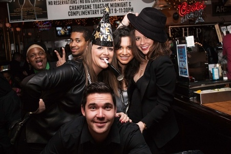 Top New Year's Activities in Chicago and Bar Crawls