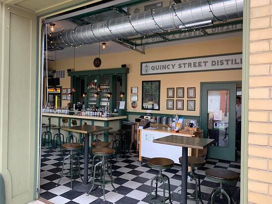 2_Quincy_Street_Distillery_Whiskey_Illinois