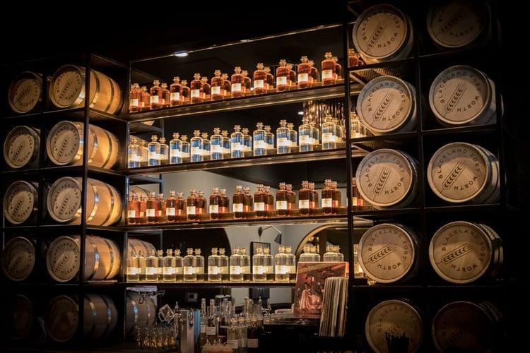 2_Tasting_Room_Blackland_Distilling_Fort_Worth