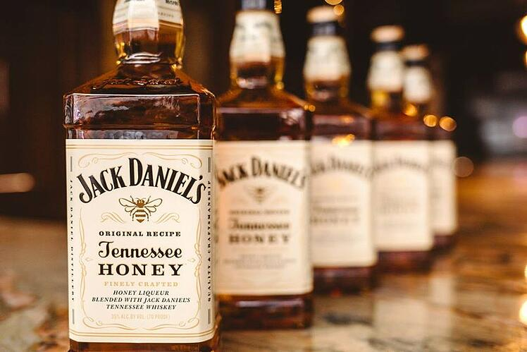 7_Jack_Daniel's_Tennessee_Honey_Flavored_Whiskey