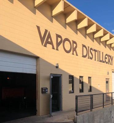 8_Vapor_DIstillery_Whiskey_Tours_Colorado