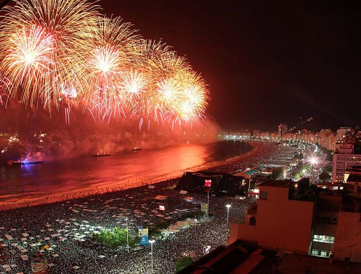 New-Years-Eve-Fireworks-on-Copcabana-Beach-Rio-de-Janeiro-Brazil