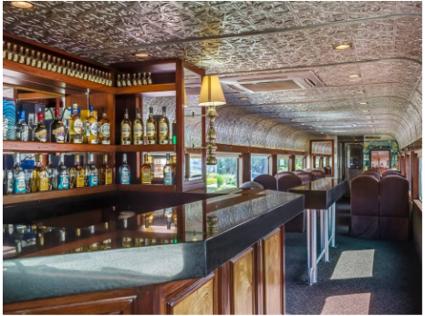 Enjoy the tour with sweet tequilas served on the train